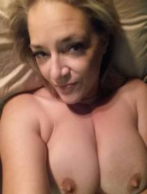 💞Divorced Older Woman Fuck Pussy ⎛🌹💚🌹⎞No Condom If you interested💞