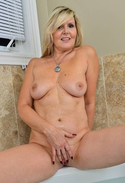 💘💘💘Divorced older woman👉Curvy👉BBW4👉Mom💘need to be meet and fuck 💘💘💘