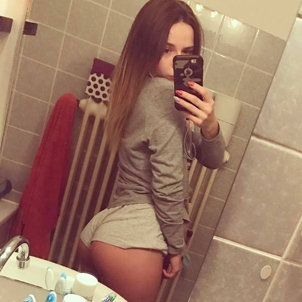 ESCORT GIRL  PROVIDE EXCELLENT SERVICE  ANY STYLE FUCK ANY AGE GUY ACCEPTED