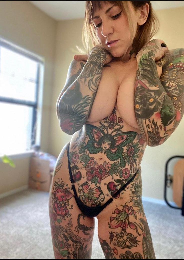 Escort available for hookup