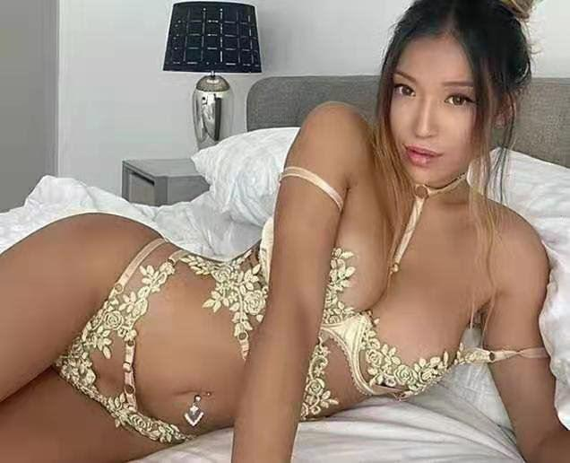 I am available NOW your sexy paradise is here 24 7 In outcalls
