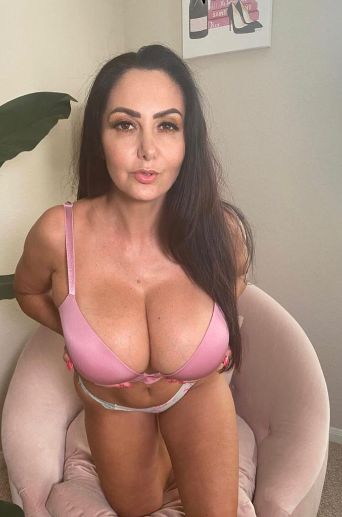 I m available for Incall Outcall Car Dates 100 REAL PRETTY WET GIRL