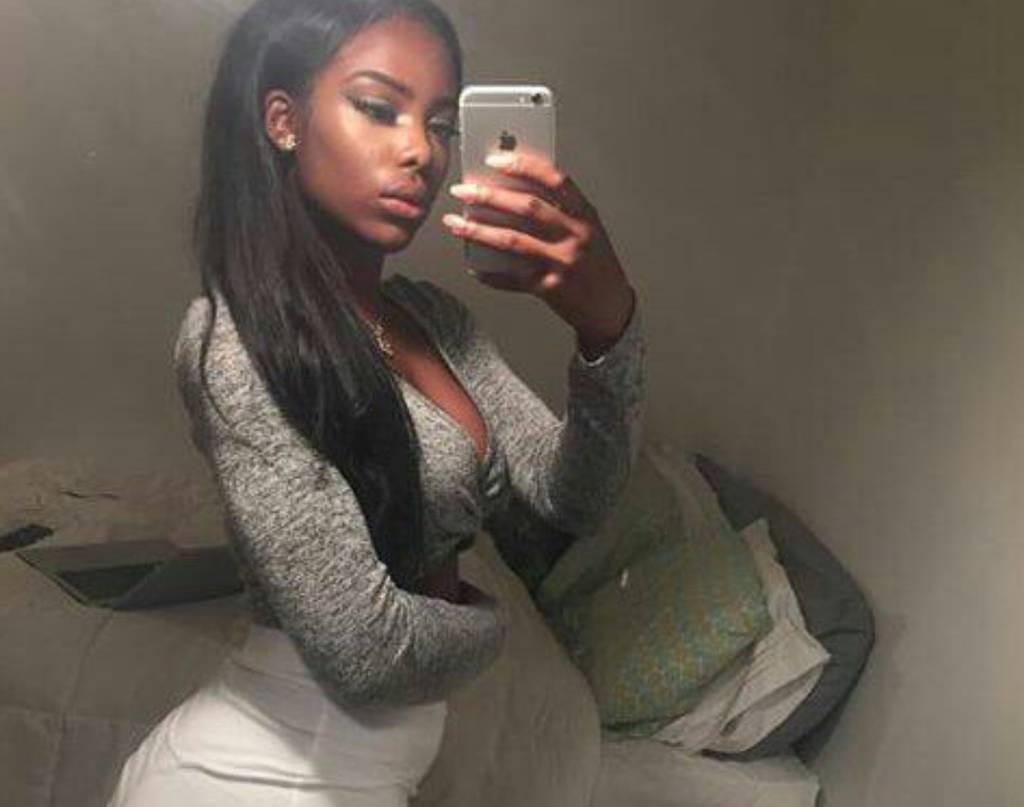Sexy Black Girl Ebony Bombshell