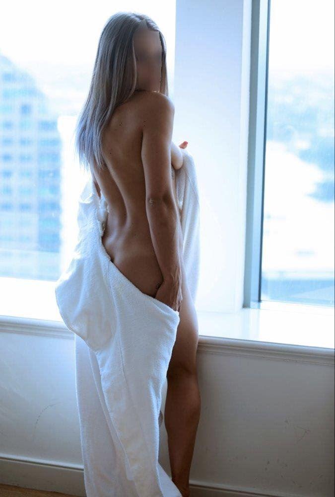 Stunning Blond Aussie Girl PSE & GFE