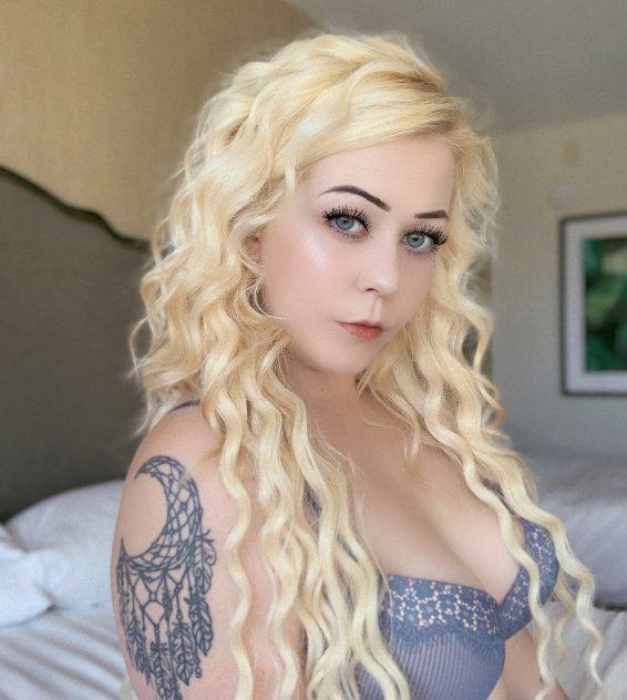 Blonde spinner