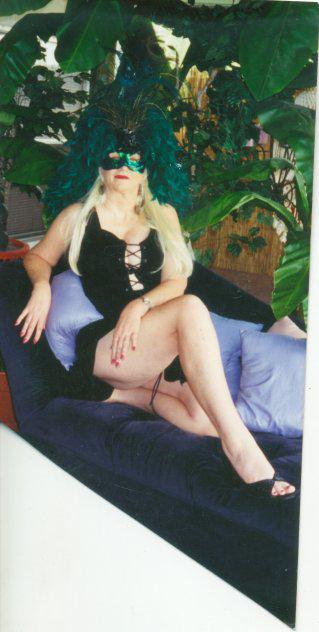 (THE BLONDE LIONESS) MATURE, SENSUAL GODDESS, 38DDD LEGGY TEXAS WOMAN