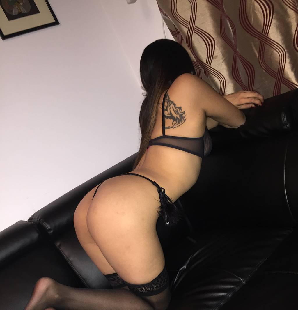 Young montreal escort