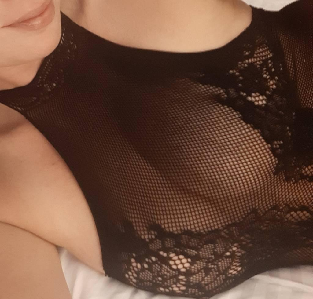 jenna available for Moncton Nov 12 Nov14