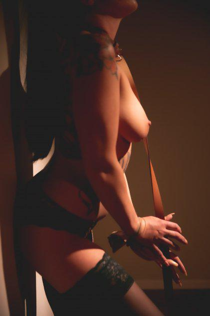 Short, sweet, smart, & Sexy! Incall in Concord