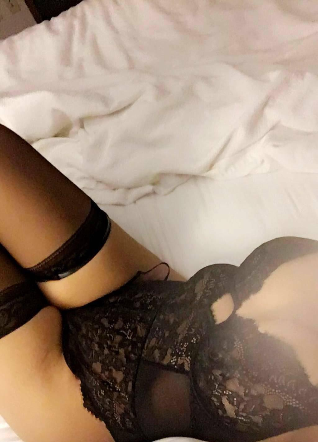 Outcall only Bombshell Myah French girl party&naughty