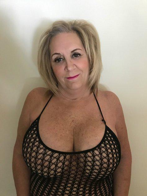 Mature BUSTY Blonde, Amy 34 Double EE