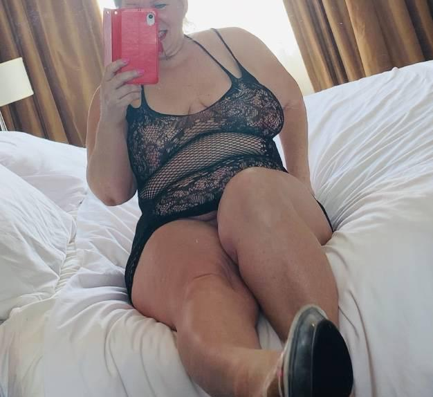 EARLYBIRD $200 hour $120 hh >> SEXY COUGAR>> UPSCALE AIRPORT