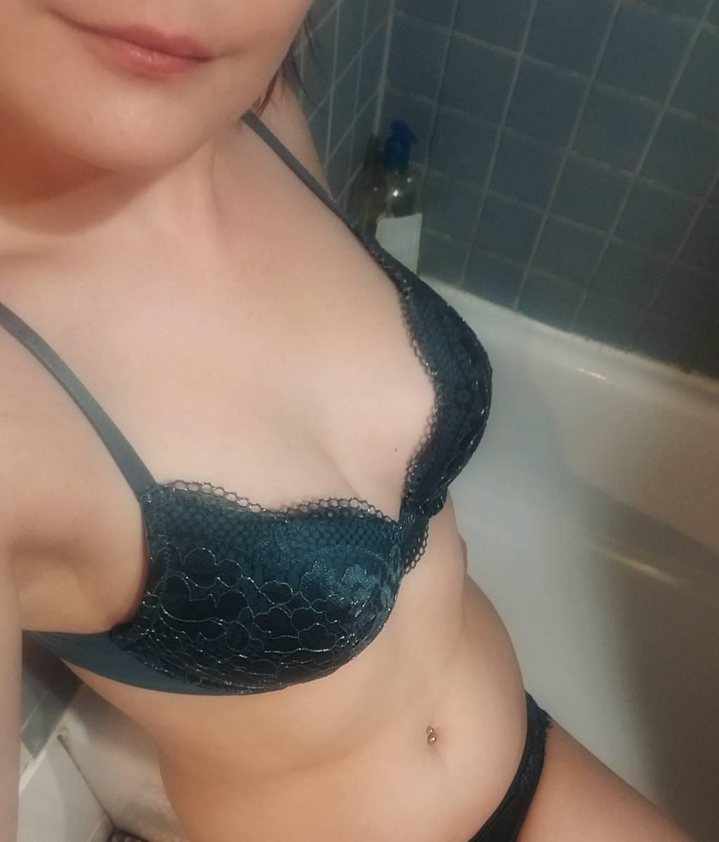 sexy petite girl next door sweetheart mouth of gold