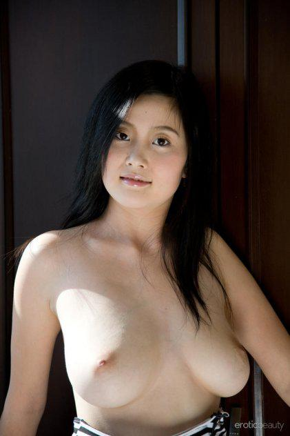 BEST OF THE BEST 36DD ASIAN MADEL NEW HERE