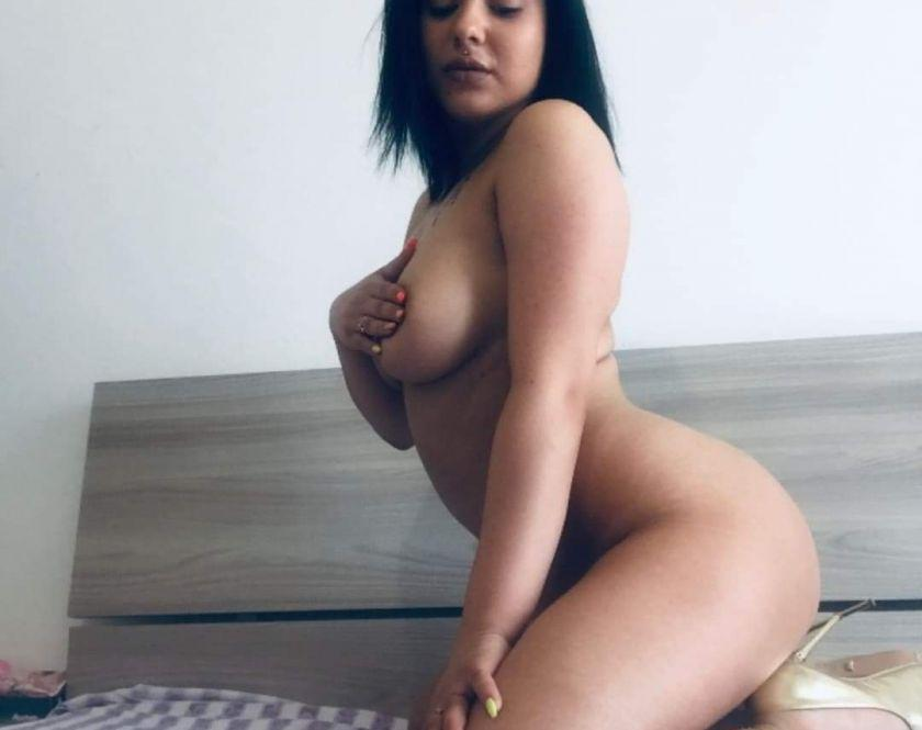 NEWW IN TOWN SEXY BRUNETTE BEST SERVICES