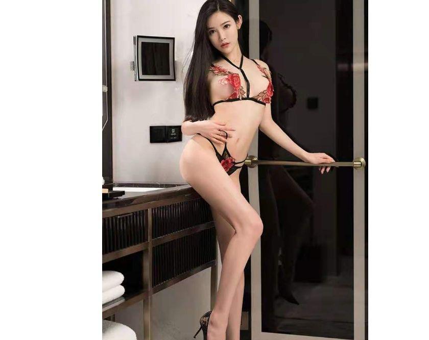 Hot Asian Busty E14 CANARY WHARF 07864797213
