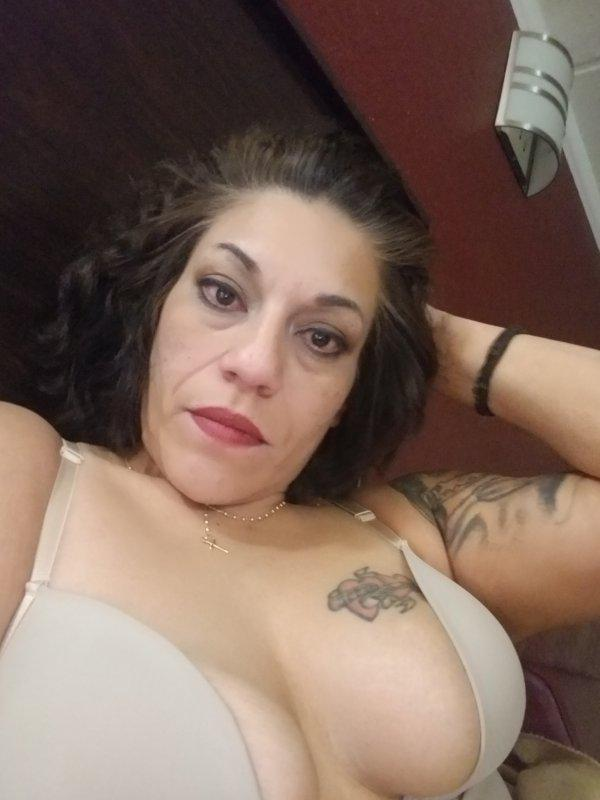 Sexy, Mature, Latina hot ready and waiting on you