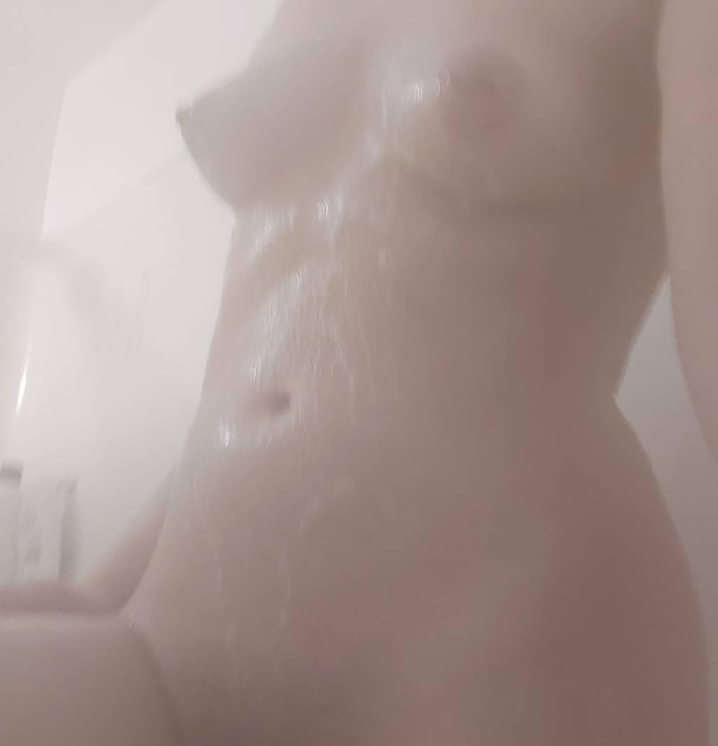 Outcall Only Sexy tight petite with big butt
