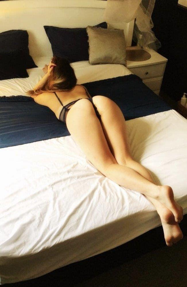 Hot friendly 20 year old babe