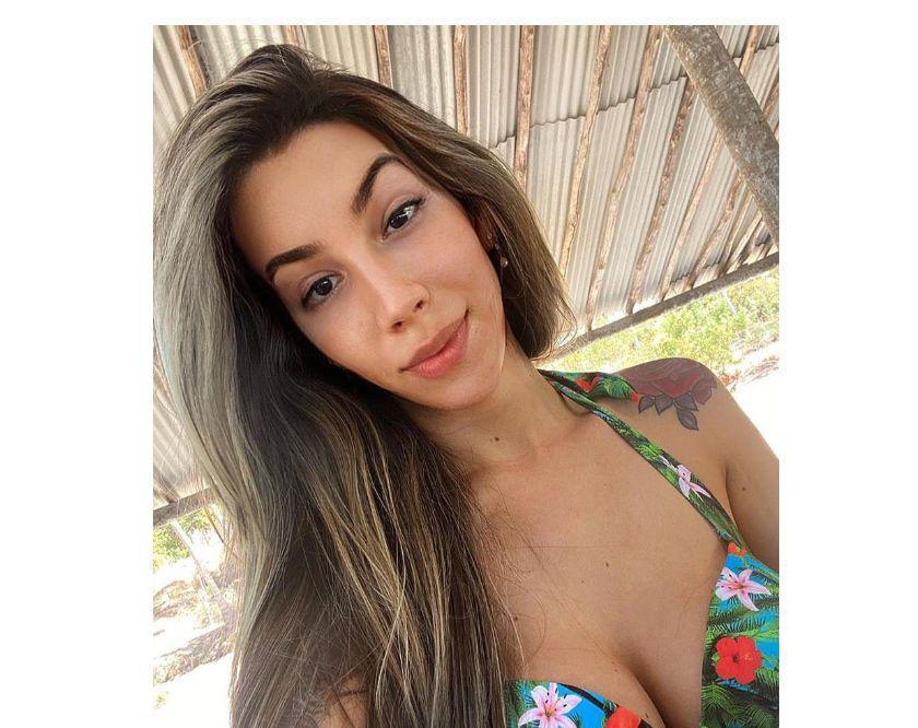 Super Hot Brazilian Yasmin Fitness Model new in town