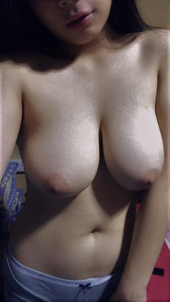 HONEST SELFIES MIXED PHILLIPINO Chinese Slim Asian Cinderella DCup Perky Tits A Petite Frame