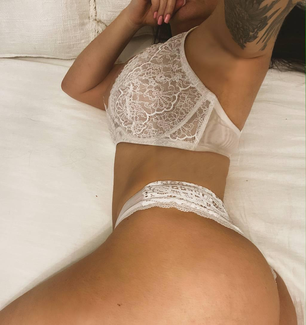 Watch me squirt for you daddy online only
