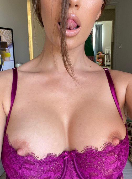 I AM HORNY AND READY FOR SEX AND MASSAGE