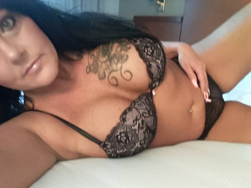 LowestRate 30+ Divorced Horny Mom Looking~For~NSA Hook-up