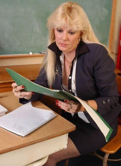 ⫷▓🍀🍀▓⫸ 45 years Older 420 Collage Teacher Still Looking Fun ⫷▓🍀🍀▓⫸