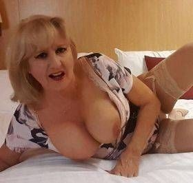 """❤️✨❤️40 Years older"""" Divorced bored mom💋💋""""Come fuck me totally free! ❤️✨❤️"""
