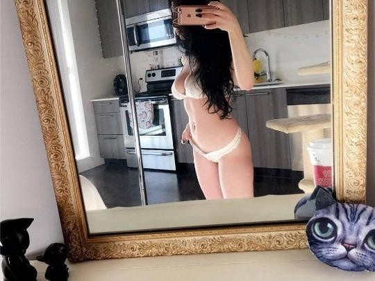 Sexy 22 Yr Single Girl ️full Body Sensual Massage ️adult
