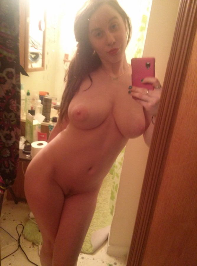Lonely 29 � year girl looking� � pussy eater� Text : ghostqueen75@gmail.com