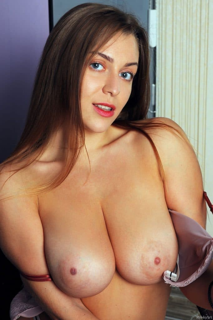 Young Sexy LAdy 💦💦Meet For Hard  Sex 💦💦Let's Play Tonight Sex Your Style
