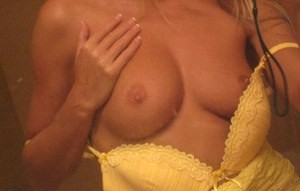 🎇🎆👙Young Sexy Girl Looking💋For  Have Some Bed Fun💋 Incall or Outcall👙 🎆🎇