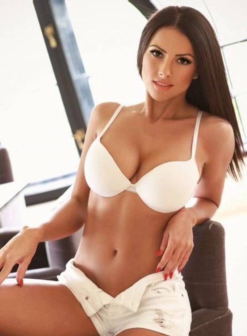 BEST CHICAGO ESCORTS 312-608-9558 All Major Credit Cards Accepted!