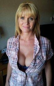 61 Yrs Older 🌷women💜are Easier 🌷To Bang