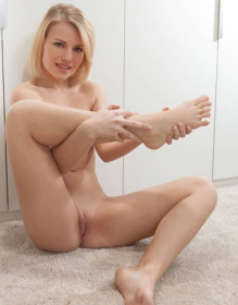 💗 Sexy Blonde Babe 💗 Hottie Total SwEET HeaRt 💗 PeTiTe & Busty 💗