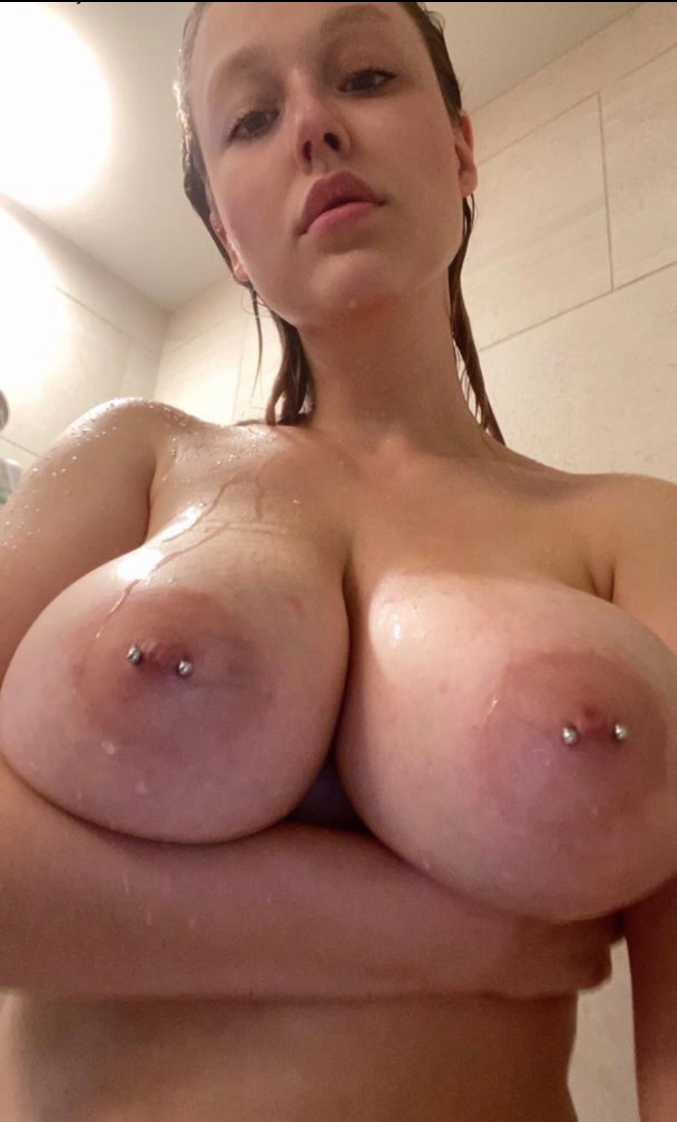 Title-Let's hookup for😘Blowjob100% YOUNG✅GF,69,Table shower,Footjob