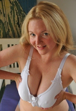 49 Years Divorced older Bj mom Totally free....