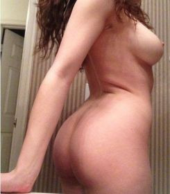 👩❤young sexxxy girl 💚look ing for bed sexxx! anyone interest ed? 👩❤