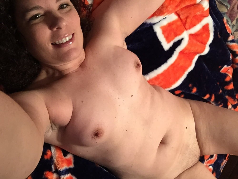 "38Y.......Hungry"".............. ""PUSSY""..............Need Fucking"""